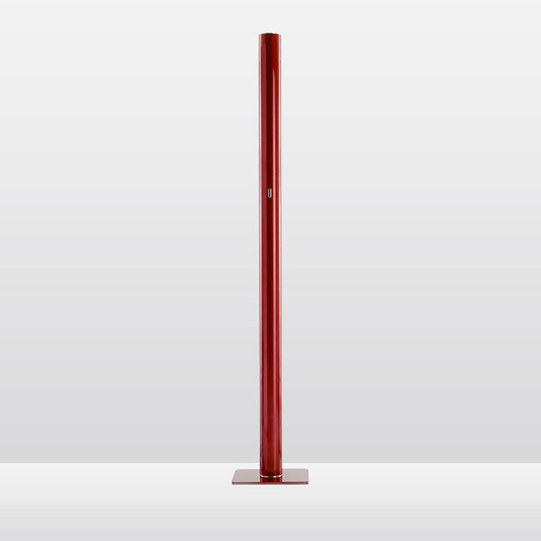 A monolithic aluminum cylinder of saturated color, Ilio emits 39 watts of powerfully diffused LED light from its top.  Base in painted steel. Body in painted aluminum.  Strong enough to yield enough lighting for a room. Available in a wide selection
