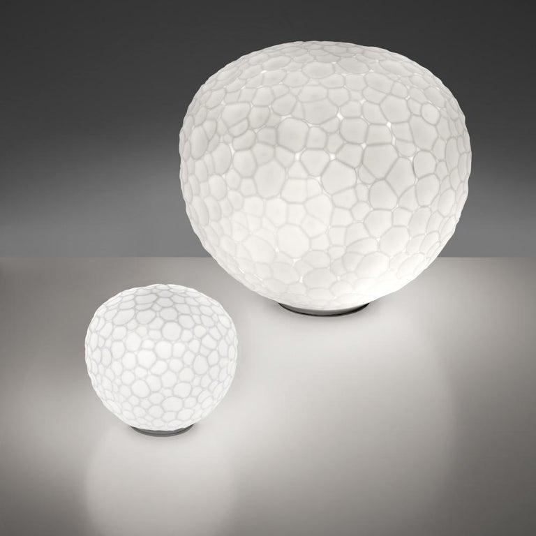 Italian Artemide Meteorite 35 Dimmable E26 Table Lamp in White by Pio & Tito Toso For Sale
