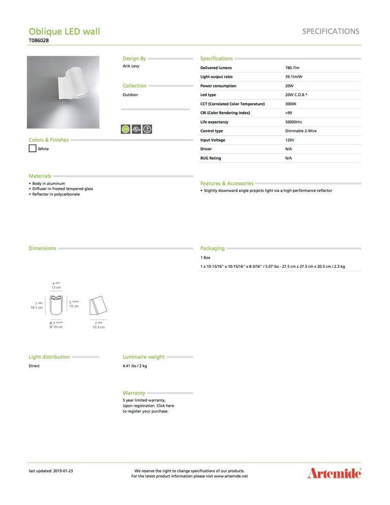 Modern Artemide Oblique LED Wall Light in White For Sale
