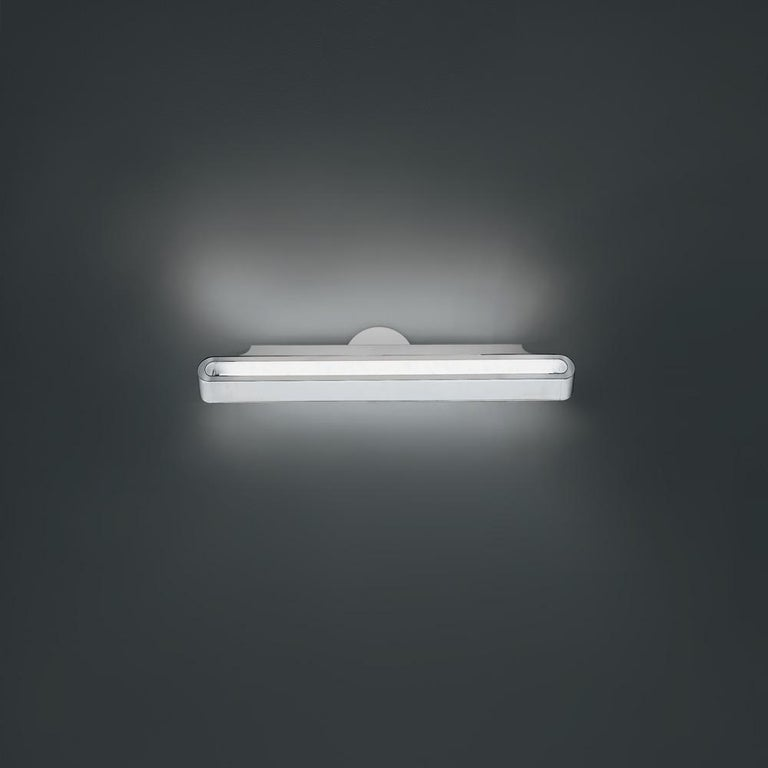 Talo's sleek aluminium body complements any interior with a subtle contemporary touch, whether residential or commercial. Its wide variety of sizes makes it perfect for almost any lighting need, providing either direct and indirect energy-efficient