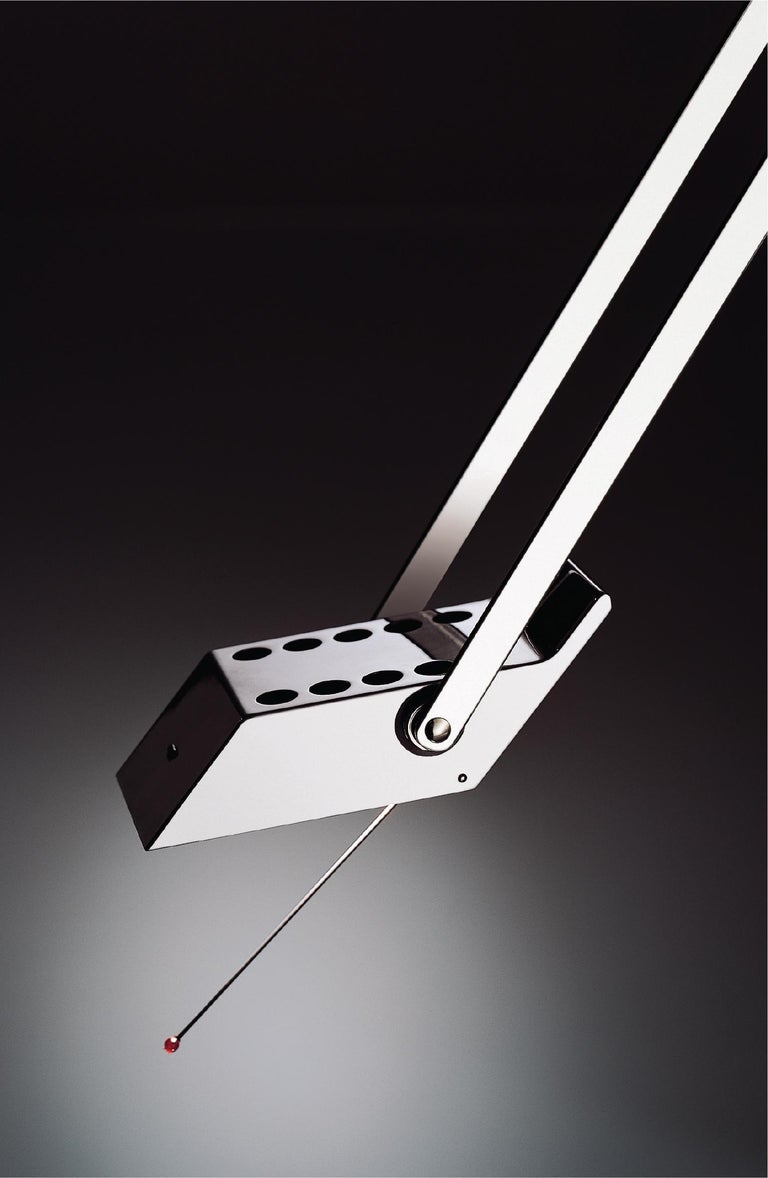 Artemide Tizio LED 30K Classic Table Lamp in Black by Richard Sapper In New Condition For Sale In Hicksville, NY
