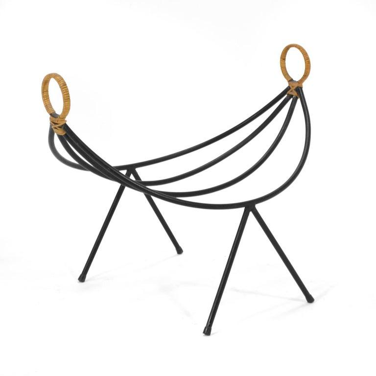 arthur umanoff iron log holder magazine stand for sale at 1stdibs. Black Bedroom Furniture Sets. Home Design Ideas