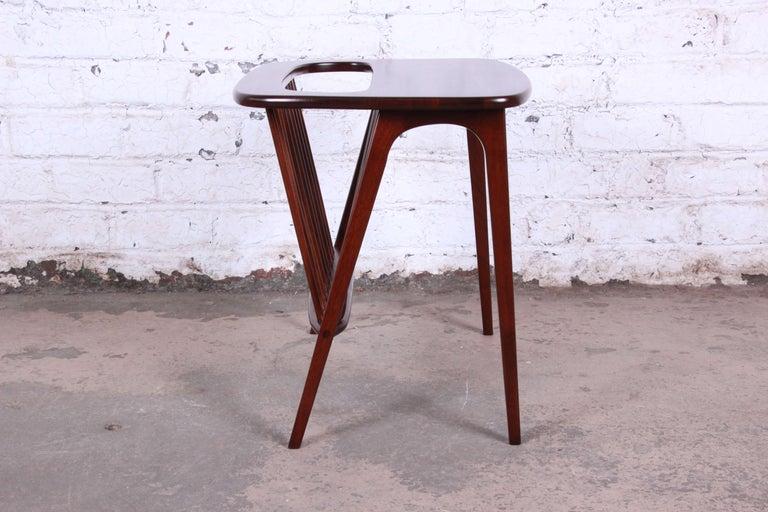 Arthur Umanoff Mid-Century Modern Walnut Magazine Rack Side Table For Sale 1