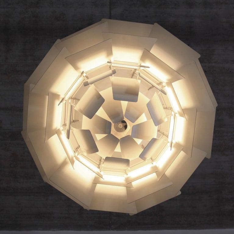 Artichoke Pendant Lamp by Poul Henningsen In Good Condition For Sale In Berlin, Berlin