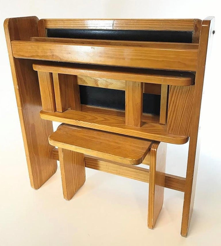 Articulated Children's Desk with its Integrated Pine Seat, 1970 For Sale 1