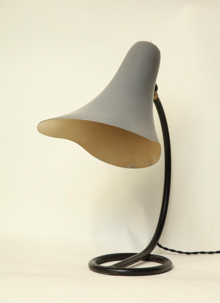 Articulated Table Lamp Mid-Century Modern Painted Metal Shade Adjusts Italy 1950 For Sale 1