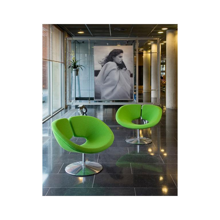 Textile Artifort Apollo Chair in Purple by Patrick Norguet For Sale