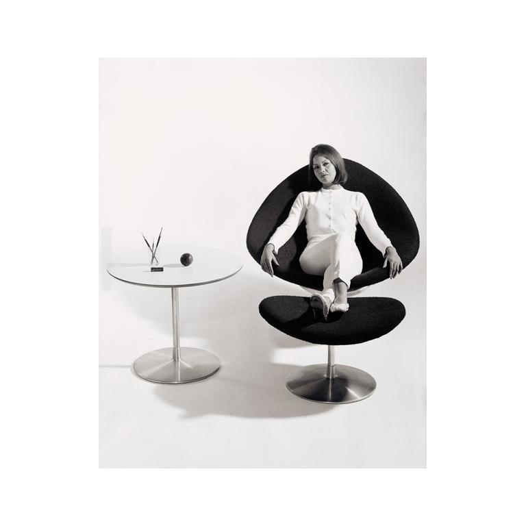 Awe Inspiring Artifort Globe Chair In Orange By Pierre Paulin Inzonedesignstudio Interior Chair Design Inzonedesignstudiocom