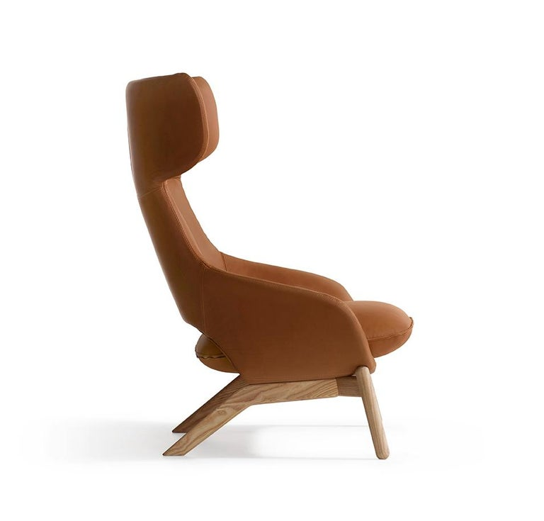 Kalm is Artifort's large, new cosy armchair by our French designer Patrick Norguet. It is a sanctuary in its own right, a place to unwind and get comfortable. With Kalm, Patrick Norguet has created an iconic, luxurious and comfortable high-back
