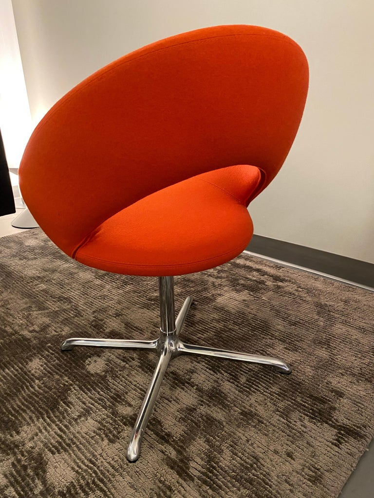 Dutch Artifort Nina Set of Two Swivel Chairs Designed by René Holten For Sale