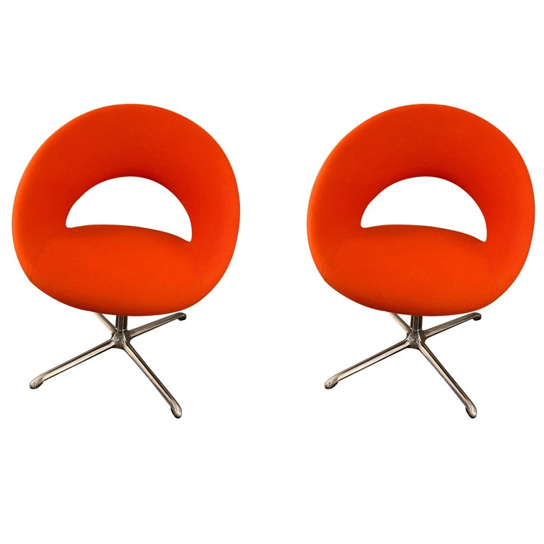 Artifort Nina Set of Two Swivel Chairs Designed by René Holten For Sale