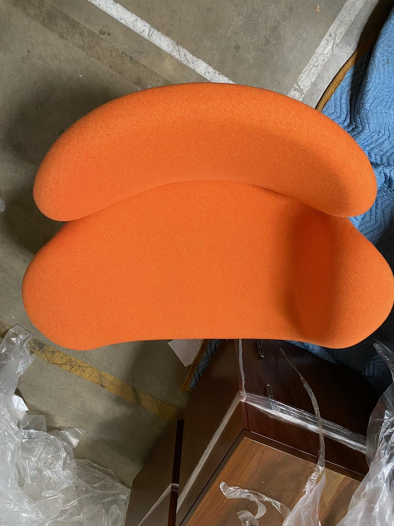 Artifort Pierre Paulin Swivel Orange Tulip Midi Lounge Chair In Excellent Condition For Sale In New York, NY