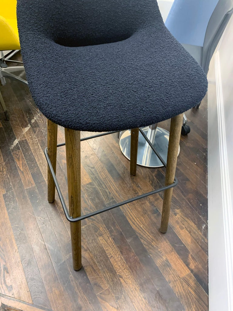 Artifort Set of Three Black Beso Barstools with Wood Legs by Khodi Feiz For Sale 5