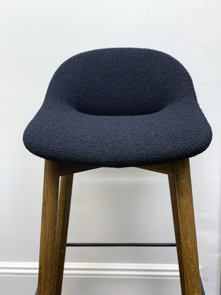 Beso barstool on a wood base