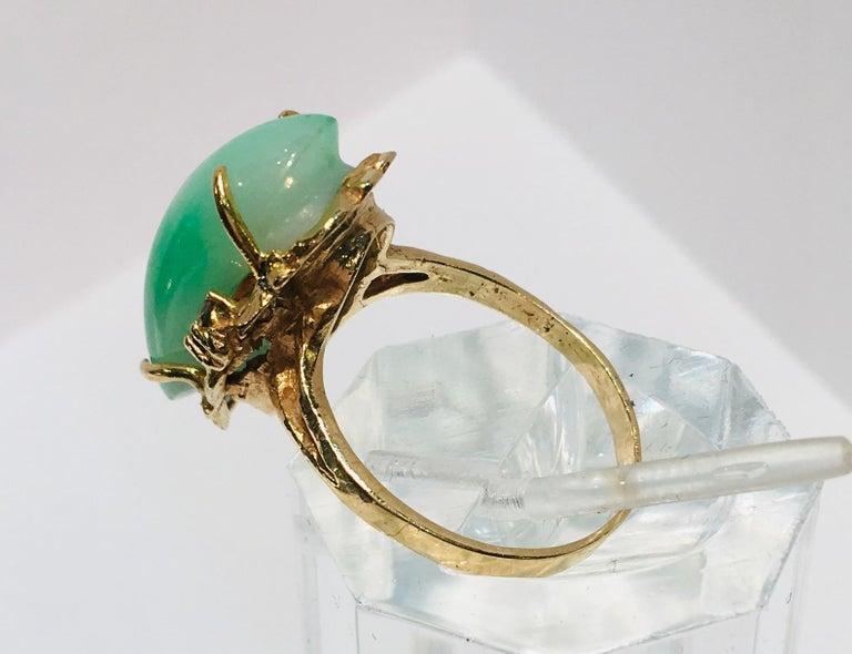 Artisan Custom 18 Karat Yellow Gold Variegated Apple Green Jade and Diamond Ring For Sale 6