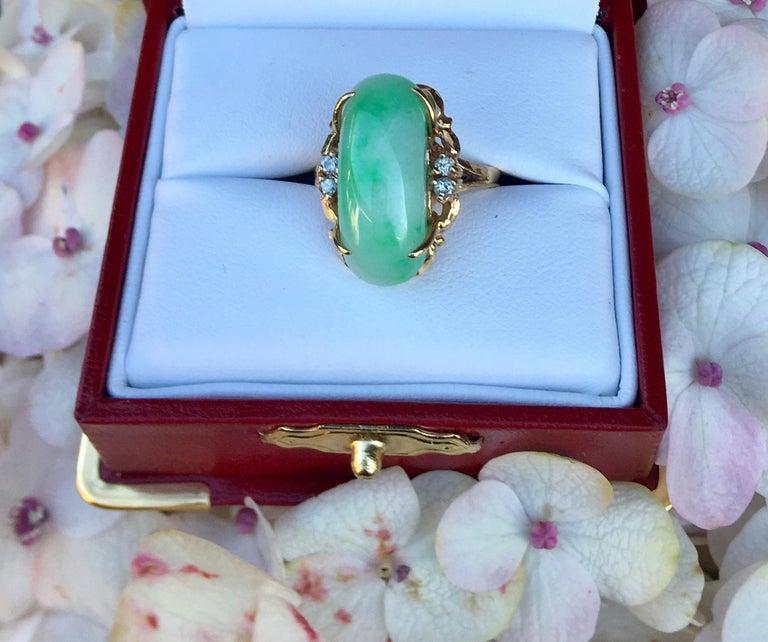Women's Artisan Custom 18 Karat Yellow Gold Variegated Apple Green Jade and Diamond Ring For Sale