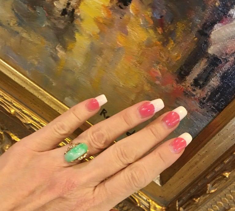 Artisan Custom 18 Karat Yellow Gold Variegated Apple Green Jade and Diamond Ring For Sale 5