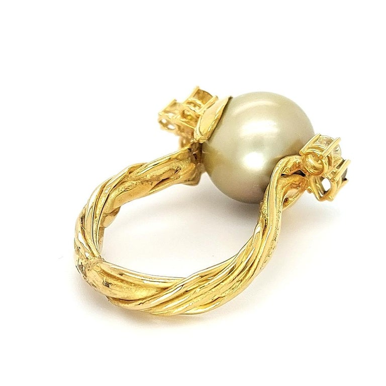 Artisan De Saedeleer 18Kt Yellow Gold Tahiti Pearl and 1.22 Carat Diamonds Ring For Sale 5