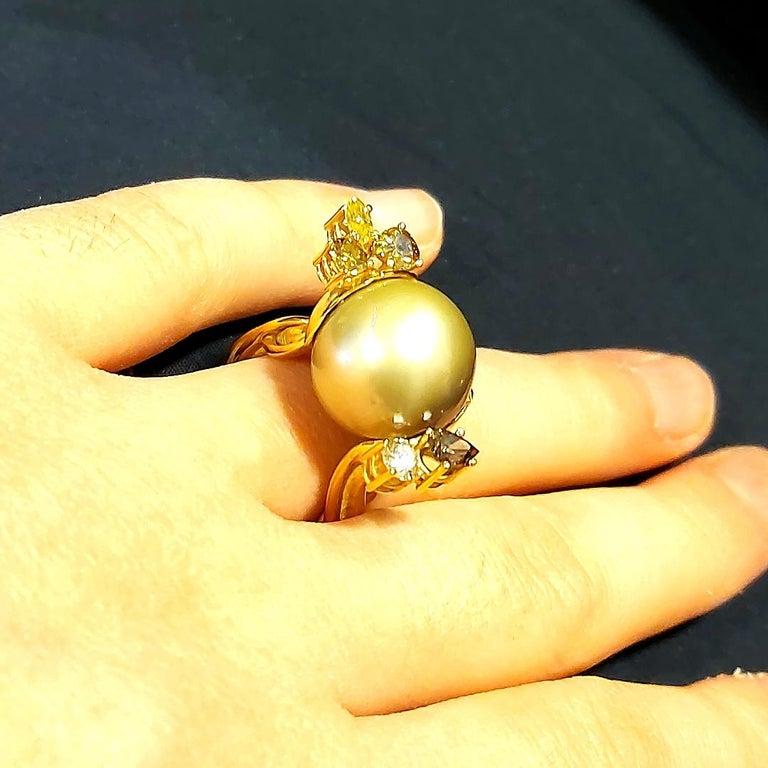 Artisan De Saedeleer 18Kt Yellow Gold Tahiti Pearl and 1.22 Carat Diamonds Ring For Sale 7