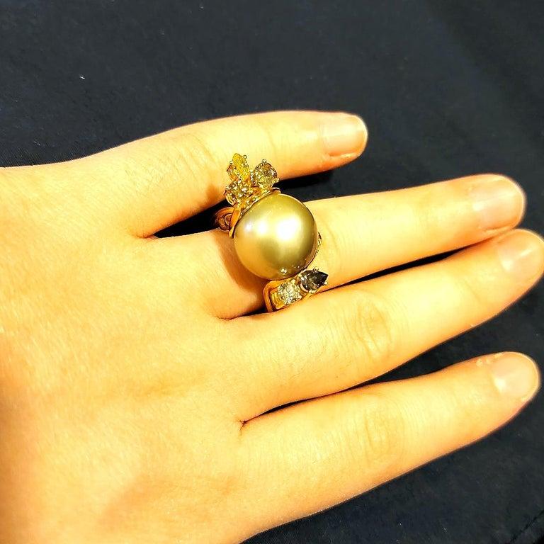 Artisan De Saedeleer 18Kt Yellow Gold Tahiti Pearl and 1.22 Carat Diamonds Ring For Sale 8