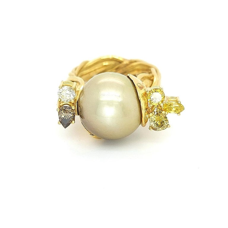 Artisan De Saedeleer 18Kt Yellow Gold Tahiti Pearl and 1.22 Carat Diamonds Ring In New Condition For Sale In Antwerp, BE