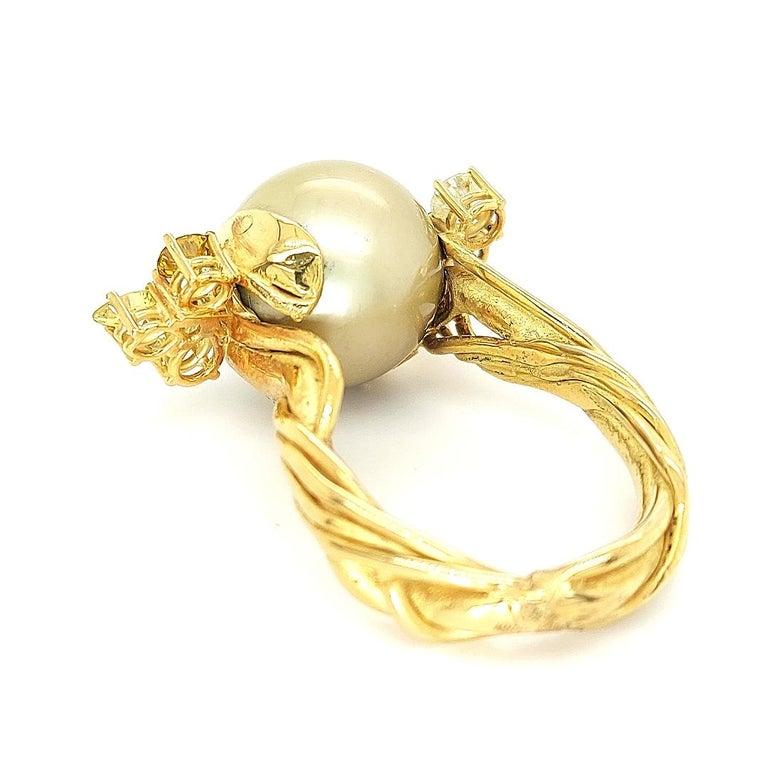 Women's or Men's Artisan De Saedeleer 18Kt Yellow Gold Tahiti Pearl and 1.22 Carat Diamonds Ring For Sale