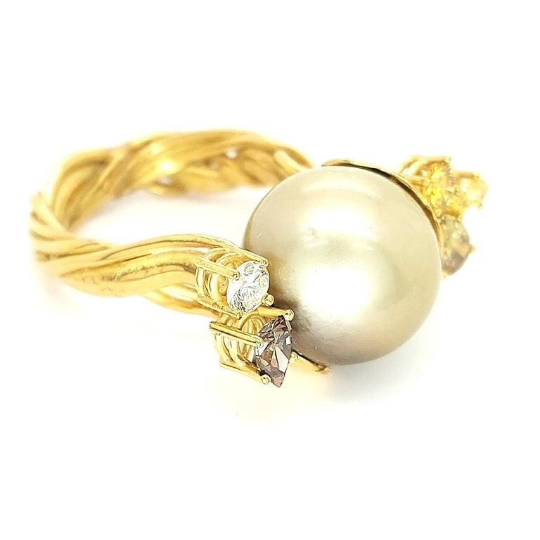 Artisan De Saedeleer 18Kt Yellow Gold Tahiti Pearl and 1.22 Carat Diamonds Ring For Sale 2