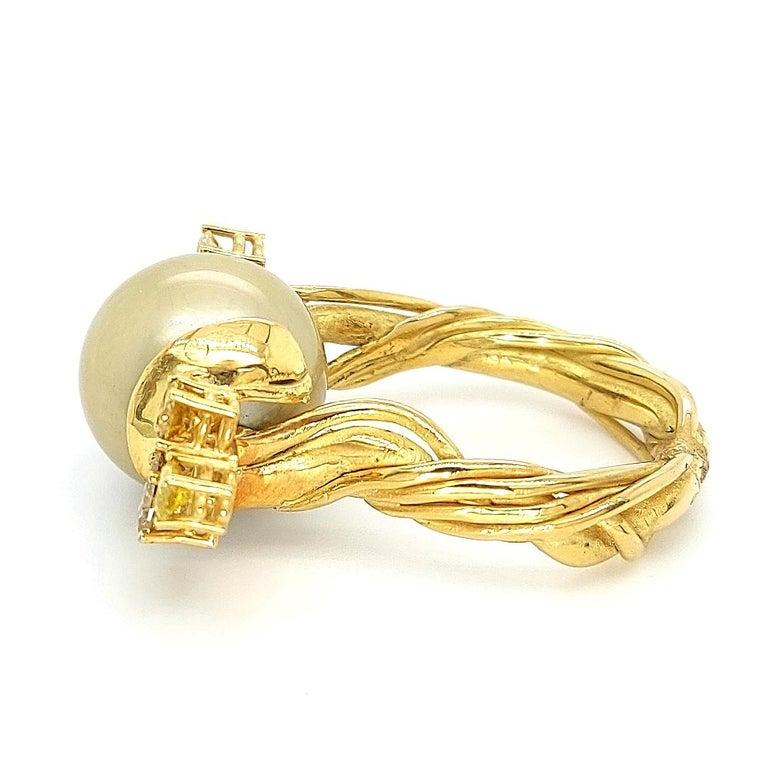 Artisan De Saedeleer 18Kt Yellow Gold Tahiti Pearl and 1.22 Carat Diamonds Ring For Sale 4