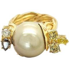 Artisan De Saedeleer 18Kt Yellow Gold Tahiti Pearl and 1.22 Carat Diamonds Ring