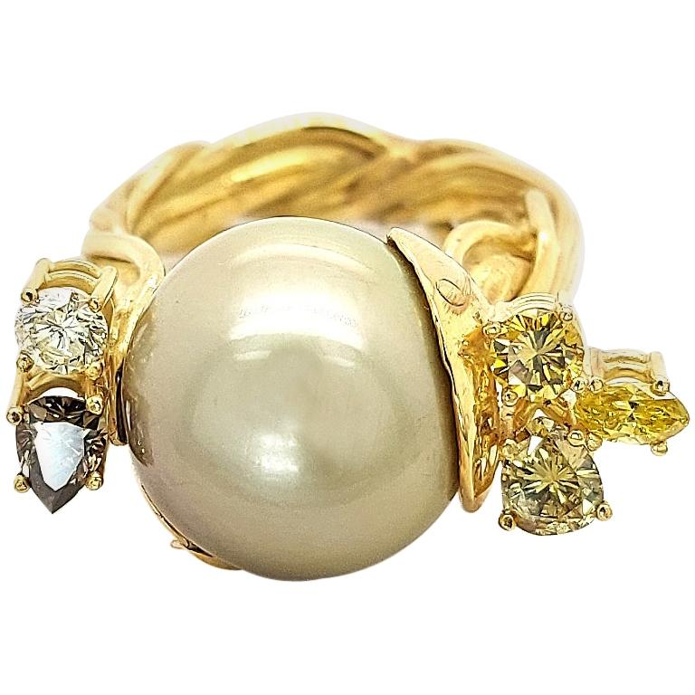 Artisan De Saedeleer 18Kt Yellow Gold Tahiti Pearl and 1.22 Carat Diamonds Ring For Sale