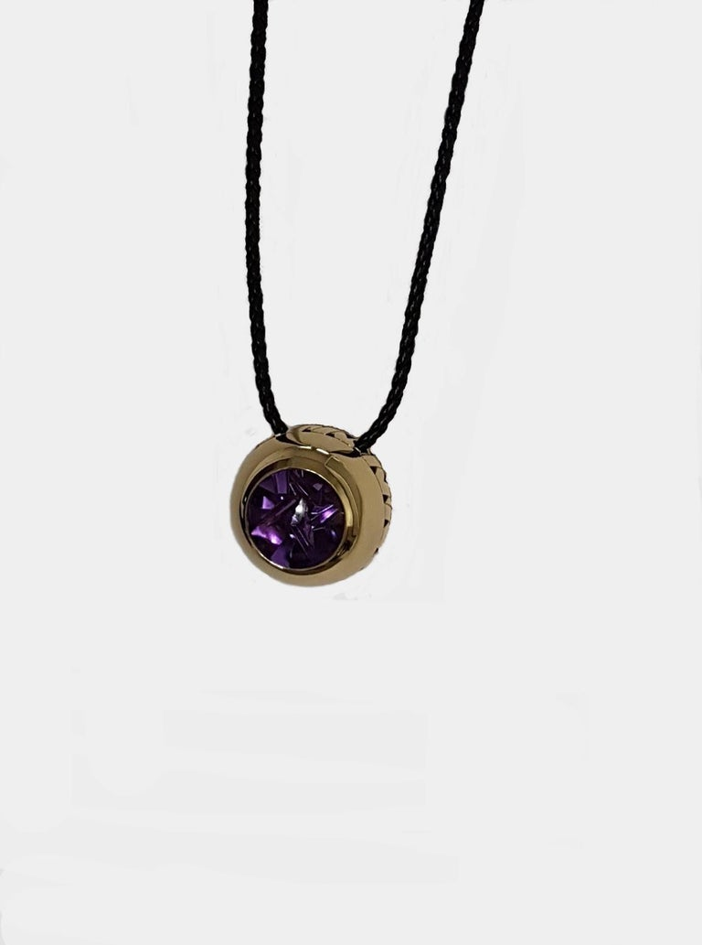 Modern Artistic Cut Amethyst Gold Pendant, Atelier Munsteiner, Wagner Collection For Sale