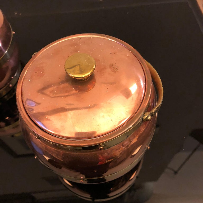 Set of two Arts & Crafts ice bucket made in England by Linton Metalware, copper and brass are in original patina and excellent conditions.