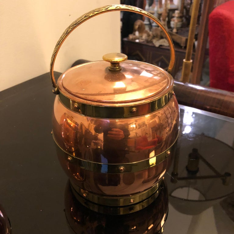 Arts & Crafts Copper and Brass British Ice Bucket, circa 1924 For Sale 1