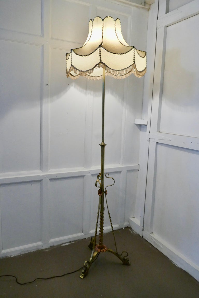 Arts & Crafts Extending Brass Floor Lamp, Standard Lamp In Good Condition For Sale In Chillerton, Isle of Wight