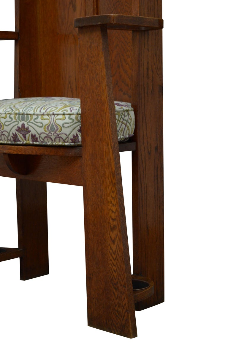 Arts & Crafts Oak Hall Seat For Sale 4