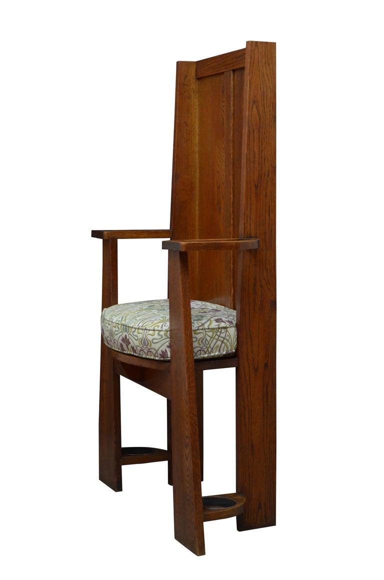Arts & Crafts Oak Hall Seat For Sale 5