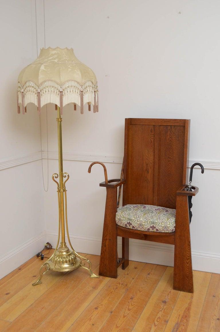 Arts & Crafts Oak Hall Seat For Sale 8
