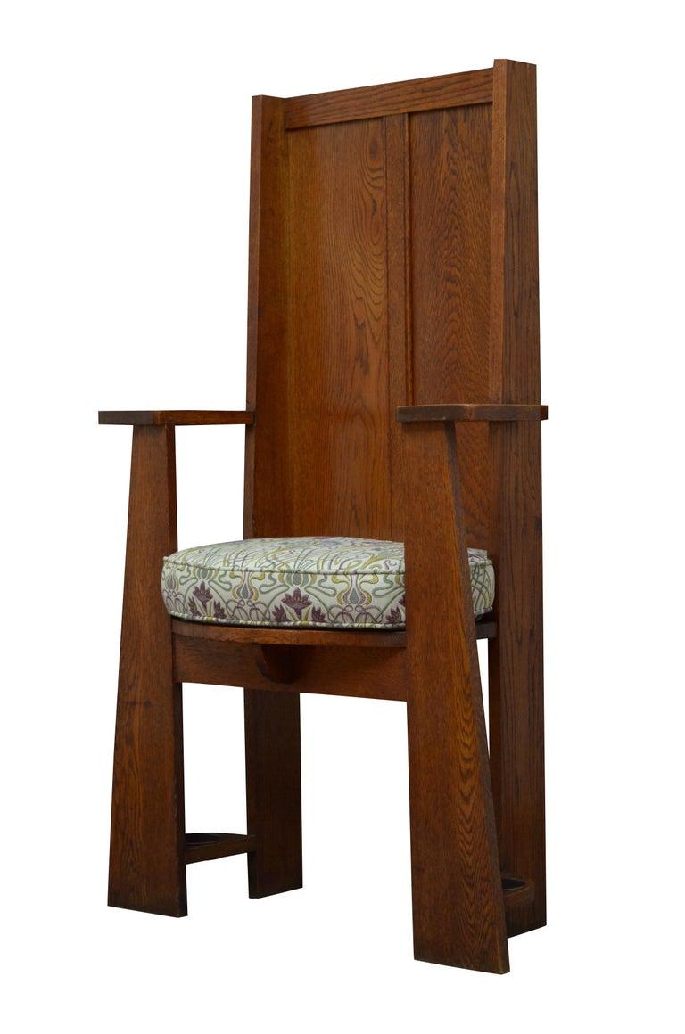 English Arts & Crafts Oak Hall Seat For Sale