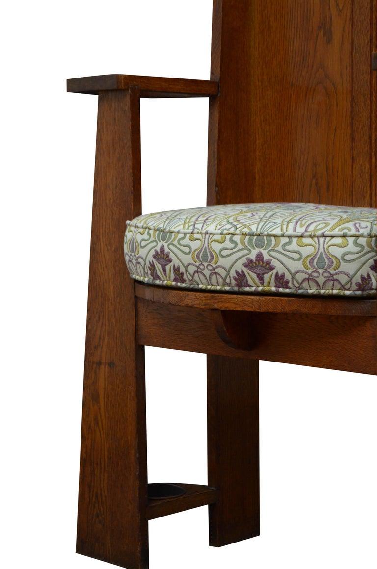 Arts & Crafts Oak Hall Seat For Sale 2