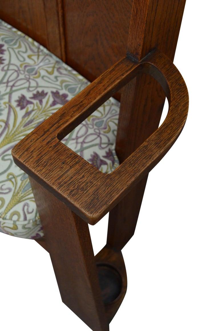 Arts & Crafts Oak Hall Seat For Sale 3