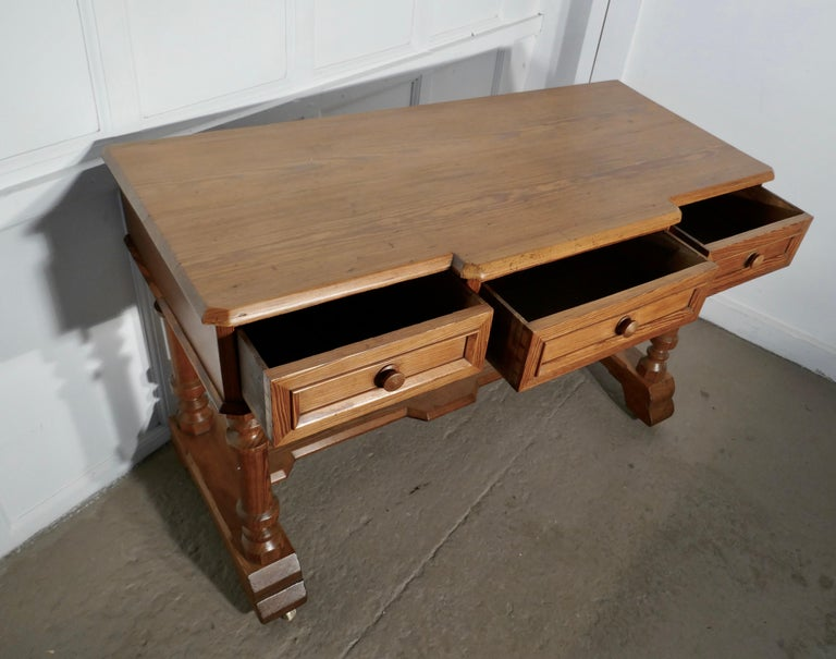 Arts & Crafts Pitch Pine Writing Table For Sale 1
