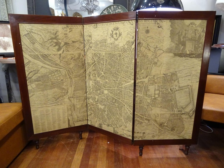 Arts & Crafts Wooden Screen with Madrid Map Engraving For Sale 6