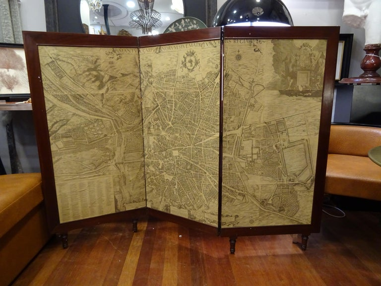 Arts & Crafts Wooden Screen with Madrid Map Engraving For Sale 7