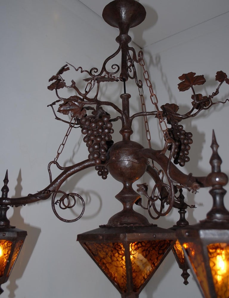 Arts and Crafts Wrought Iron & Stain Leaded Glass Wine Theme Pendant Light Lamp In Excellent Condition For Sale In Lisse, NL