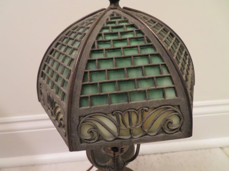 Arts & Crafts Bradley and Hubbard Brass Genie Slag Glass Lamp In Good Condition For Sale In Medford, NJ