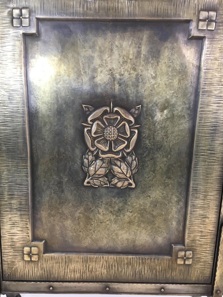 French Arts & Crafts Brass and Iron Fire Place Screen, circa 1900 For Sale