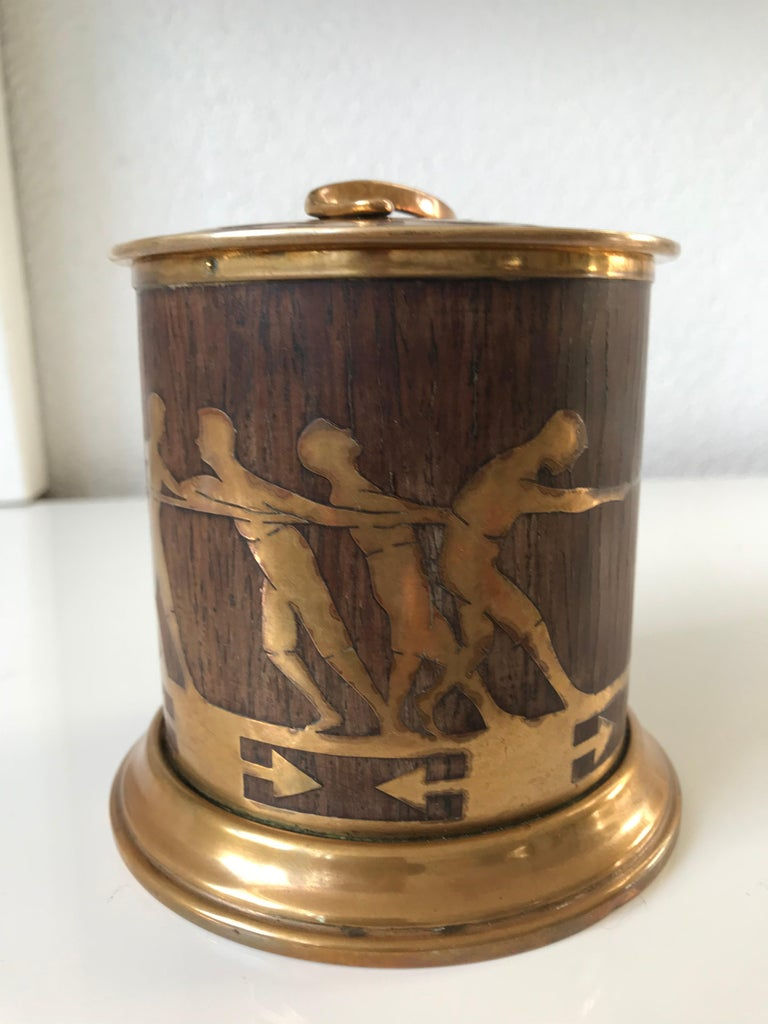 Stunning and rare Secession box.  There are -for good reasons- collectors of the Viennese Secessionist Style in almost every country on this planet. The finesse of the workmanship, the quality of the materials and the stunning designs have a