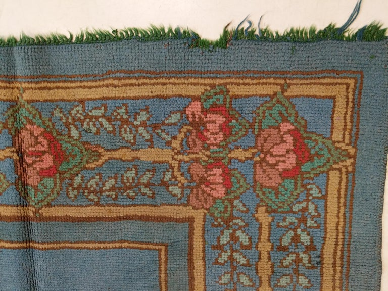 Arts & Crafts Donegal Light Blue Wool Rug Attributed to Gavin Morton, circa 1910 In Good Condition For Sale In Milan, IT