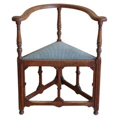 Arts & Crafts European Oak Triangular Corner Chair