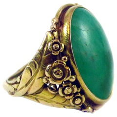 Arts & Crafts Jadeite Yellow Gold Flower Ring